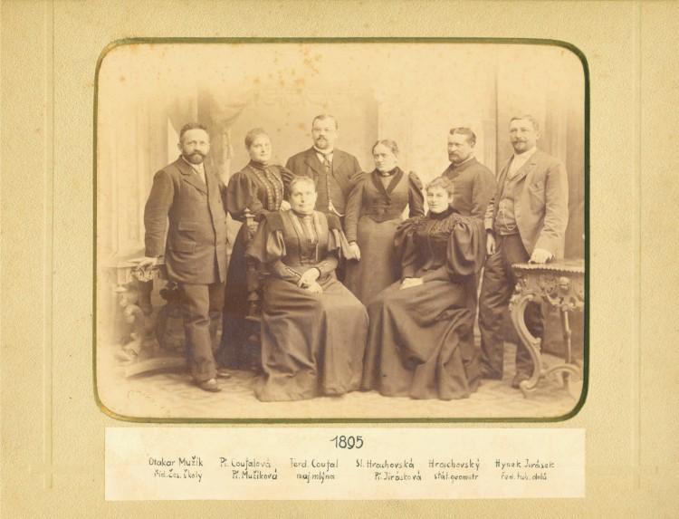 9. Josef Seidel - portrét členů Čtenářské besedy v Českém Krumlově, 1895 (Regionální muzeum v Č.K.)