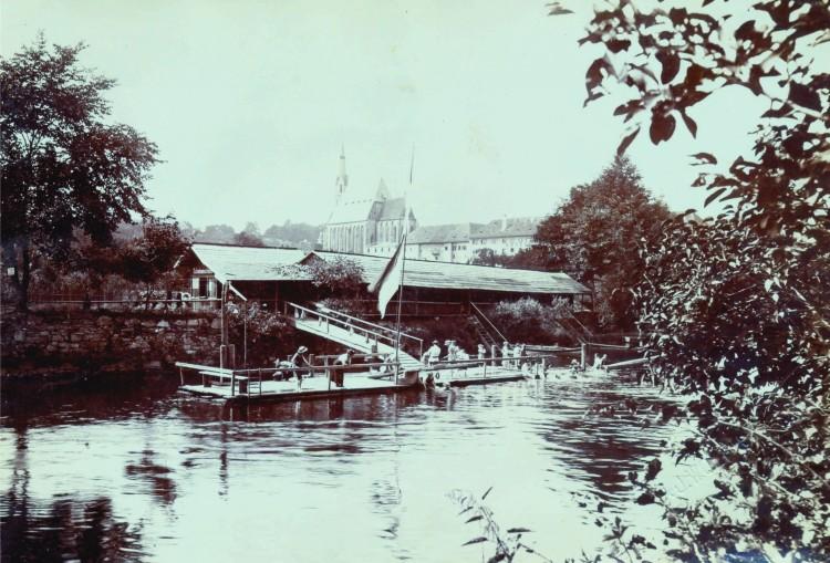 14. Josef Wolf - městské lázně v Jezuitské zahradě, 1905 (Státní okresní archiv Č.K.)